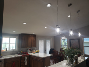 1185292947259985.OuR6BCurHggAe7obNE1H height640 300x225 - Professional Lighting Repair